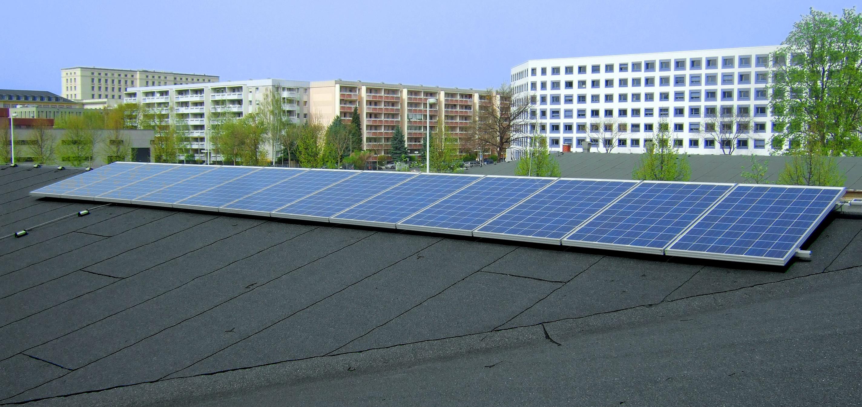 Messtechnische Untersuchungen und Datenerfassung an einer Solaranlage